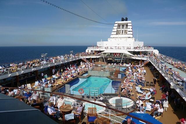 豪華客船で仕事したい!クルーとして採用される最短ルート