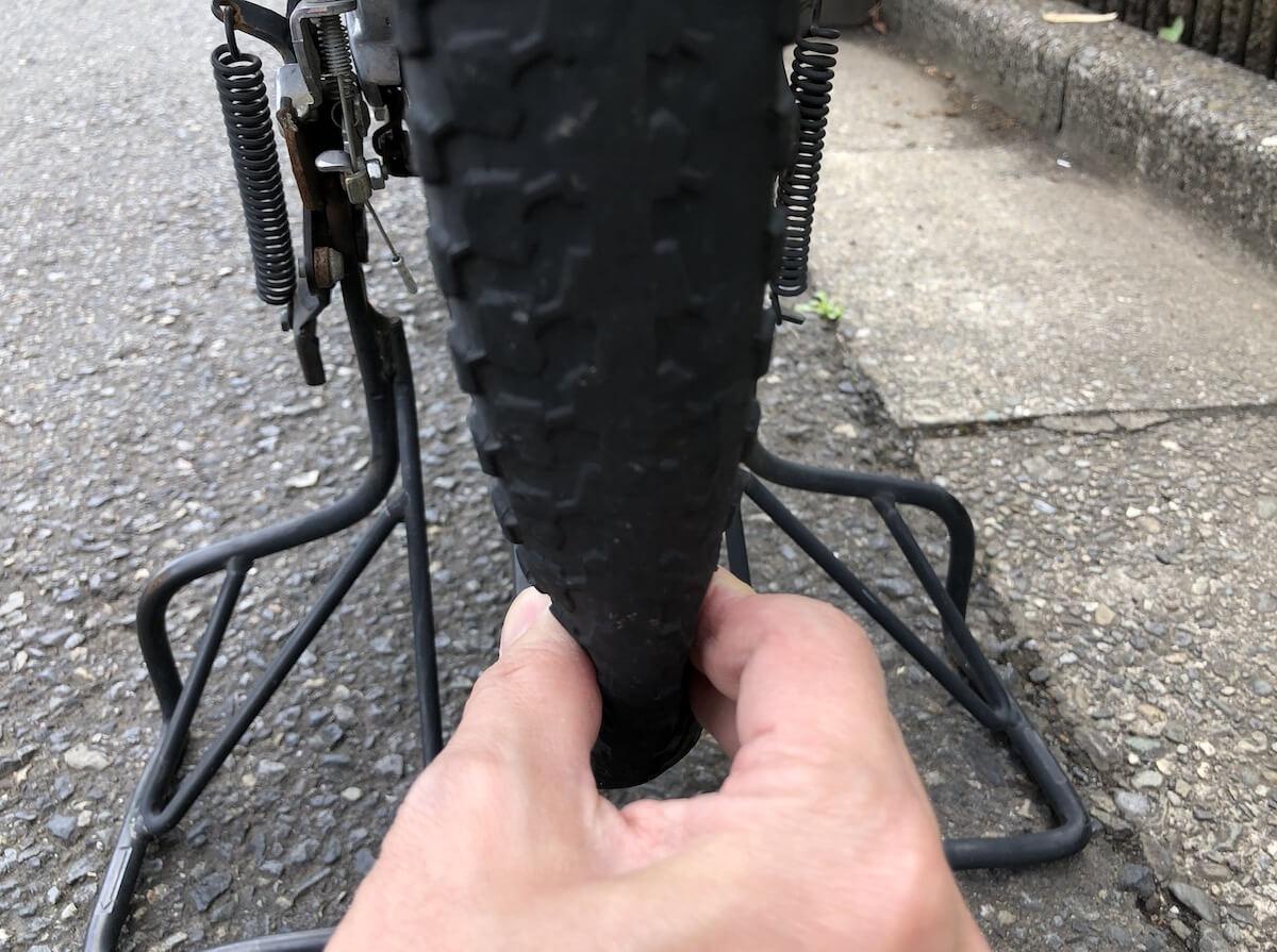 自転車後輪パンク