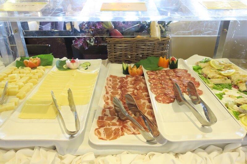 コスタネオロマンチカ 朝食 ボッティチェリ4