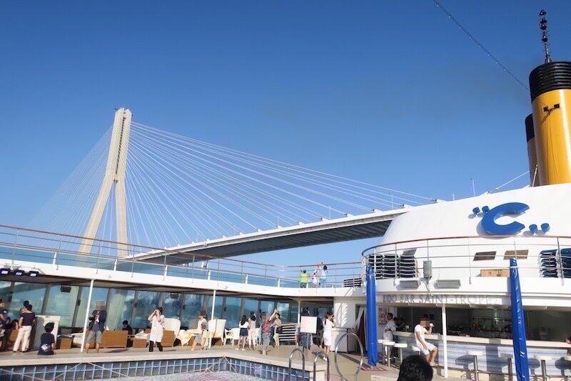 コスタネオロマンチカ プサン入港風景1