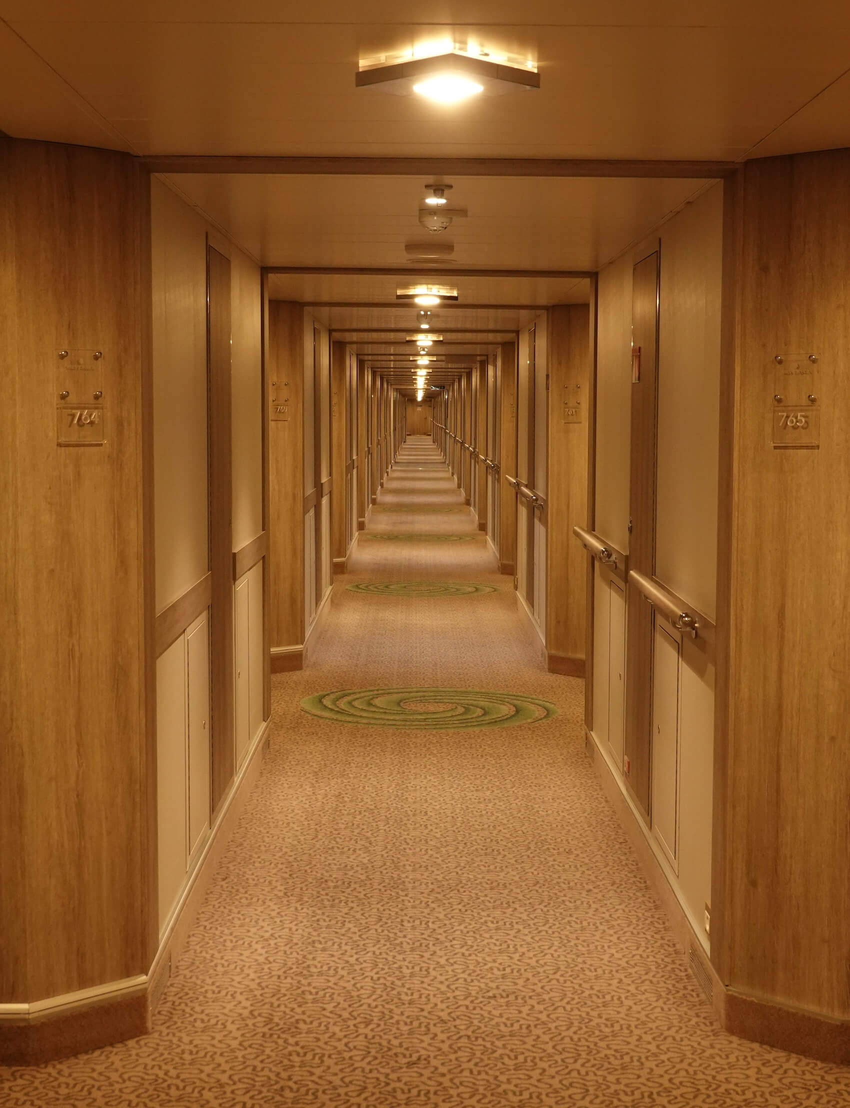 シルバーシー 廊下