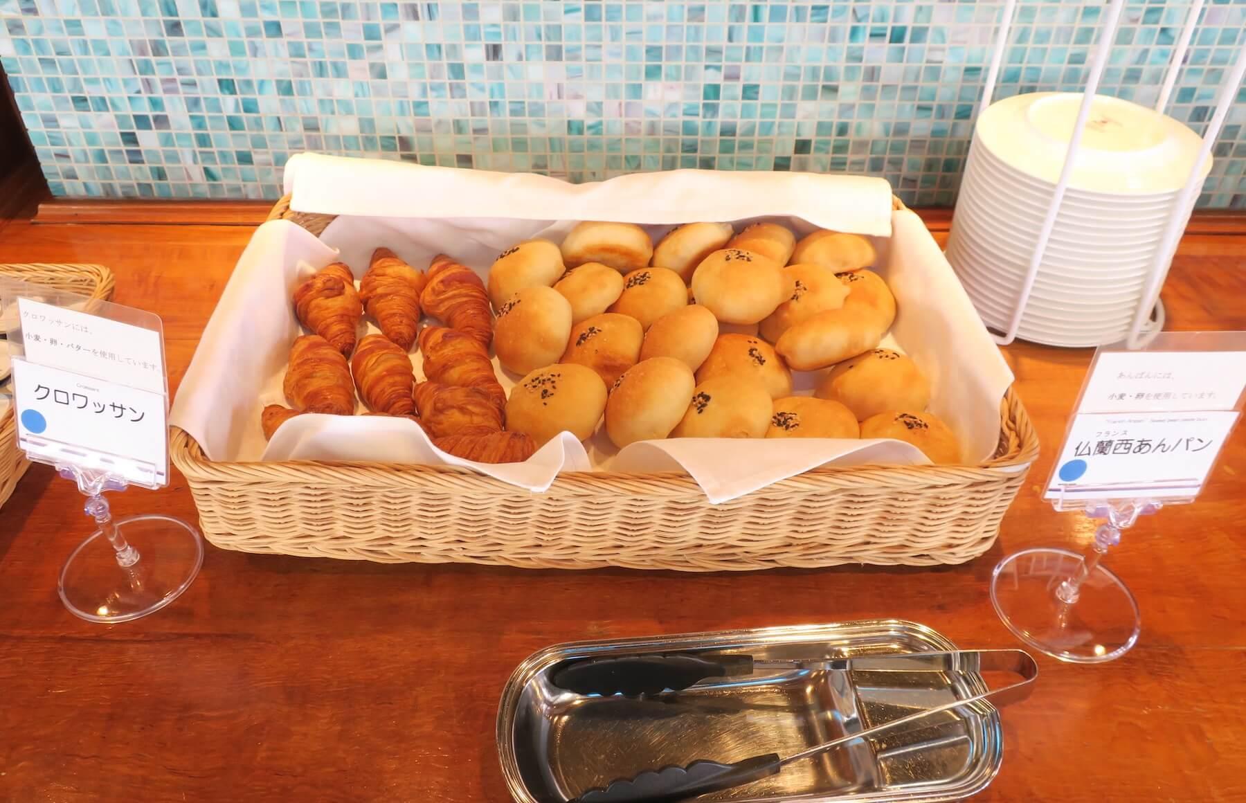 にっぽん丸 焼き立てパン01