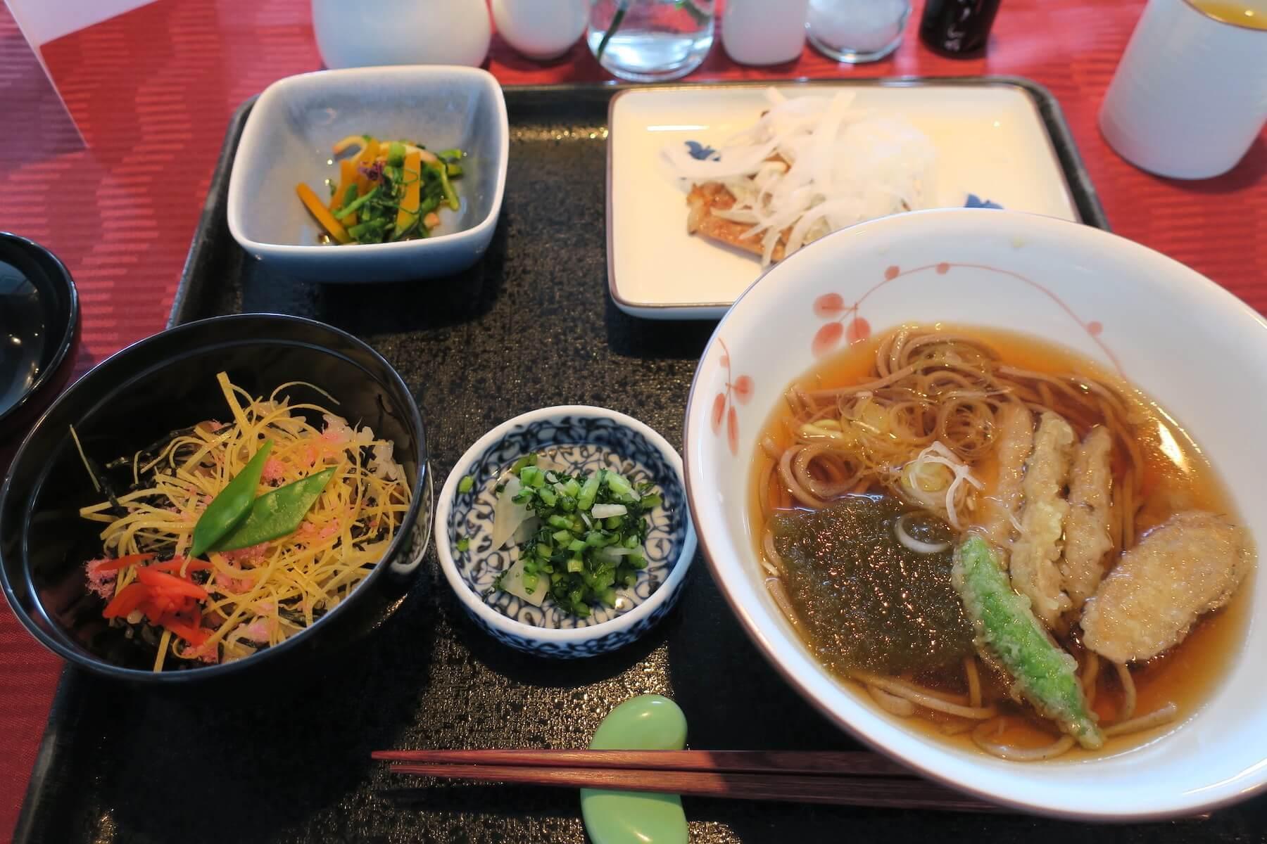 にっぽん丸 昼食02