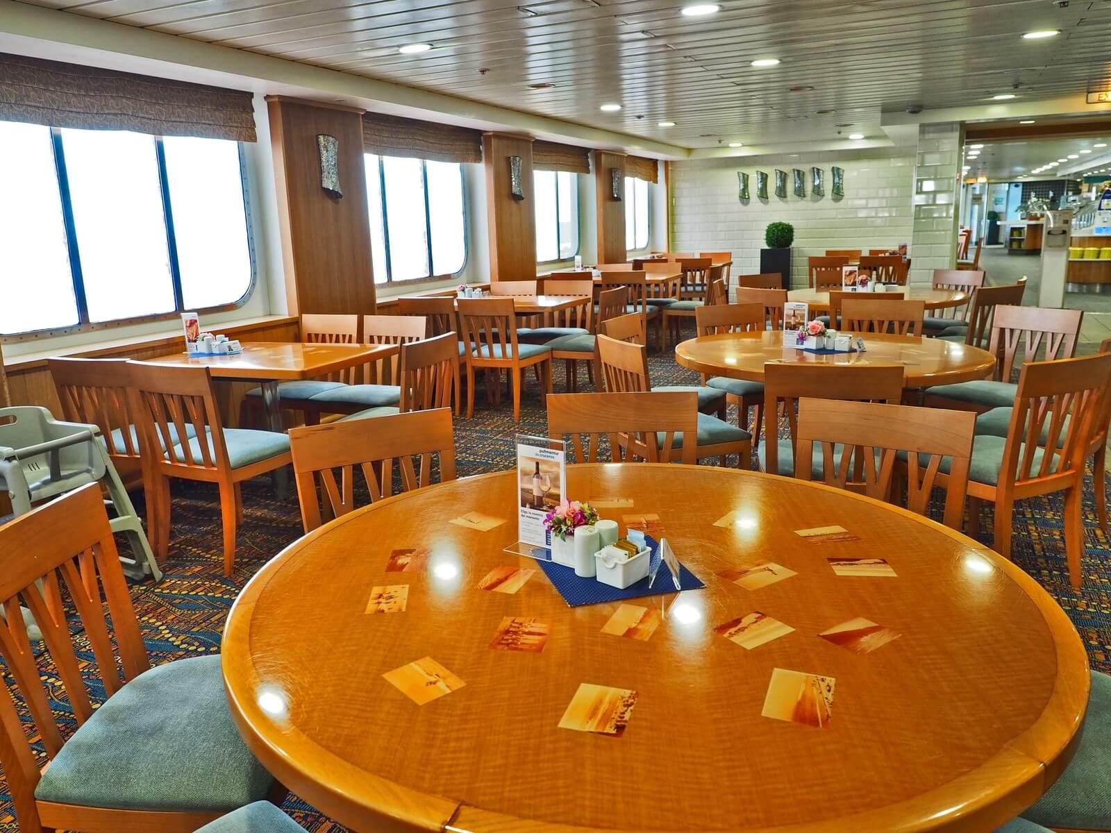 ピースボート2 ビュッフェレストラン