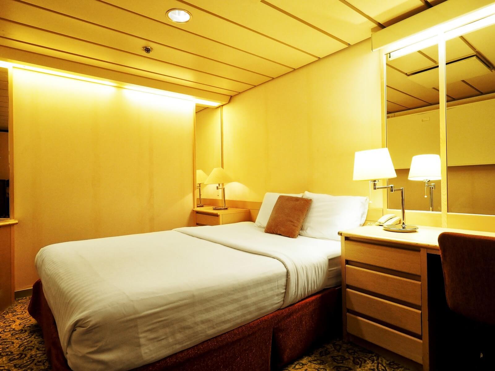 ピースボートプレミアム 客室 エコノミー ダブル