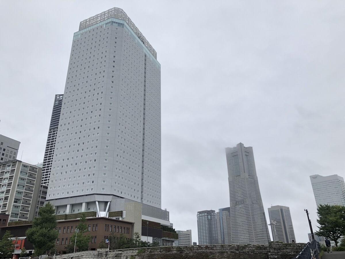 アパホテル リゾート 横浜ベイタワー外観