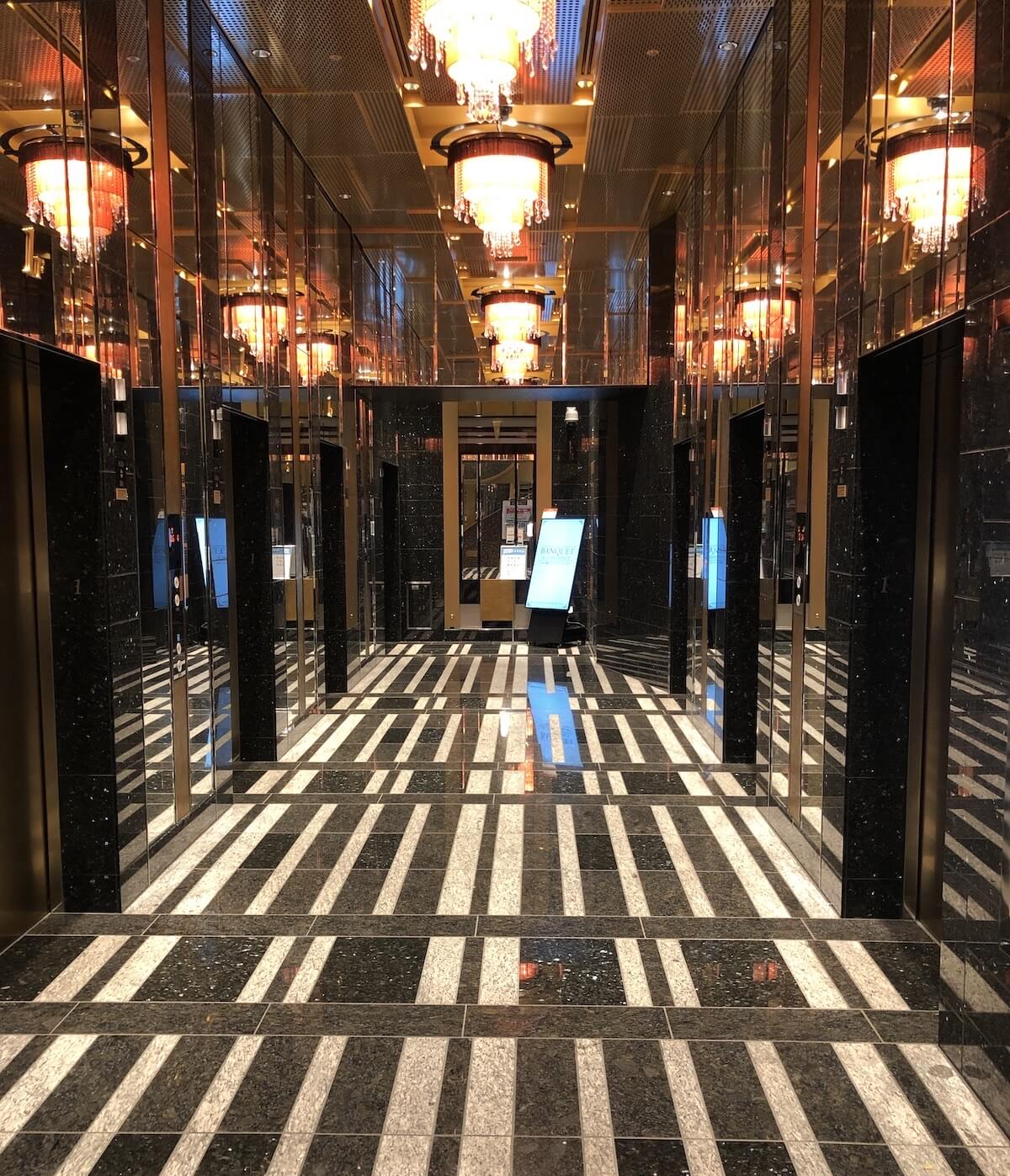 アパホテル リゾート 横浜ベイタワー エレベーター